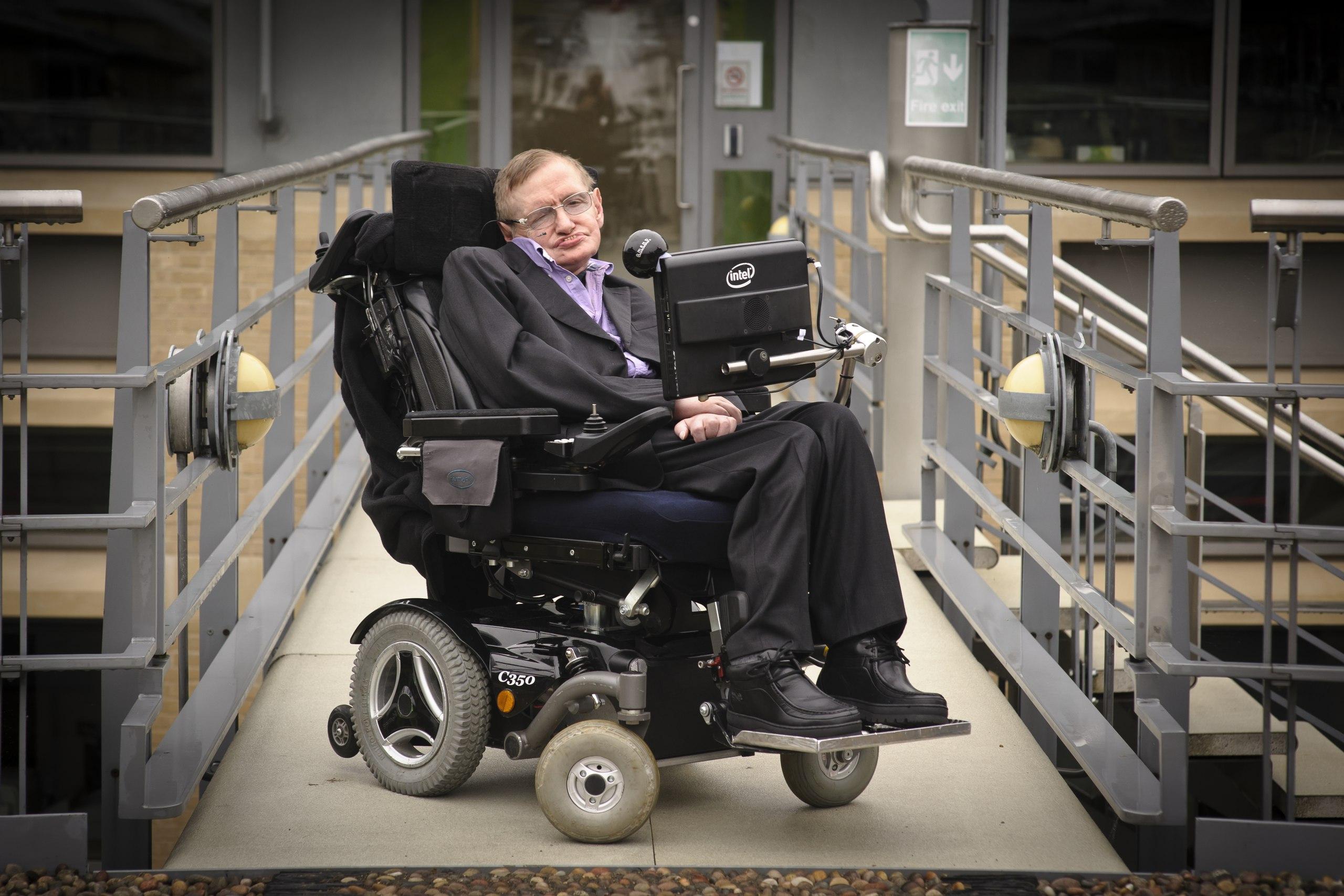Последняя теория Стивена Хокинга позволит доказать существование параллельных вселенных