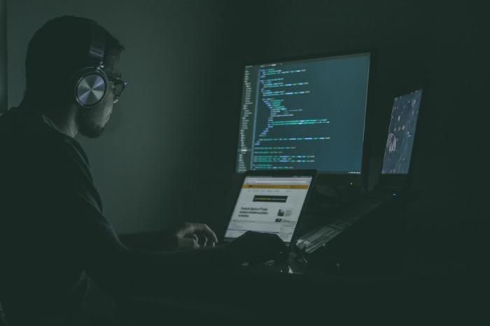 Вынесен приговор Российским хакерам, атаковавшим американские биржи
