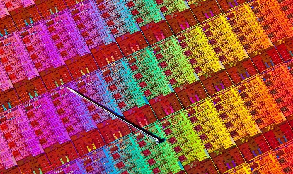 «Без Meltdown и Spectre»: Intel перепроектирует свои процессоры