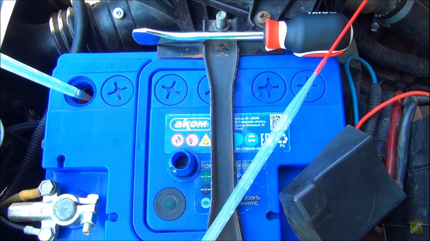 Перемешивается ли электролит в аккумуляторе при движении автомобиля?