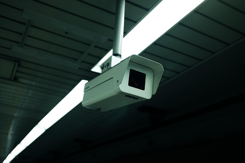 Бревно в глазу: какие уязвимости есть у систем видеонаблюдения