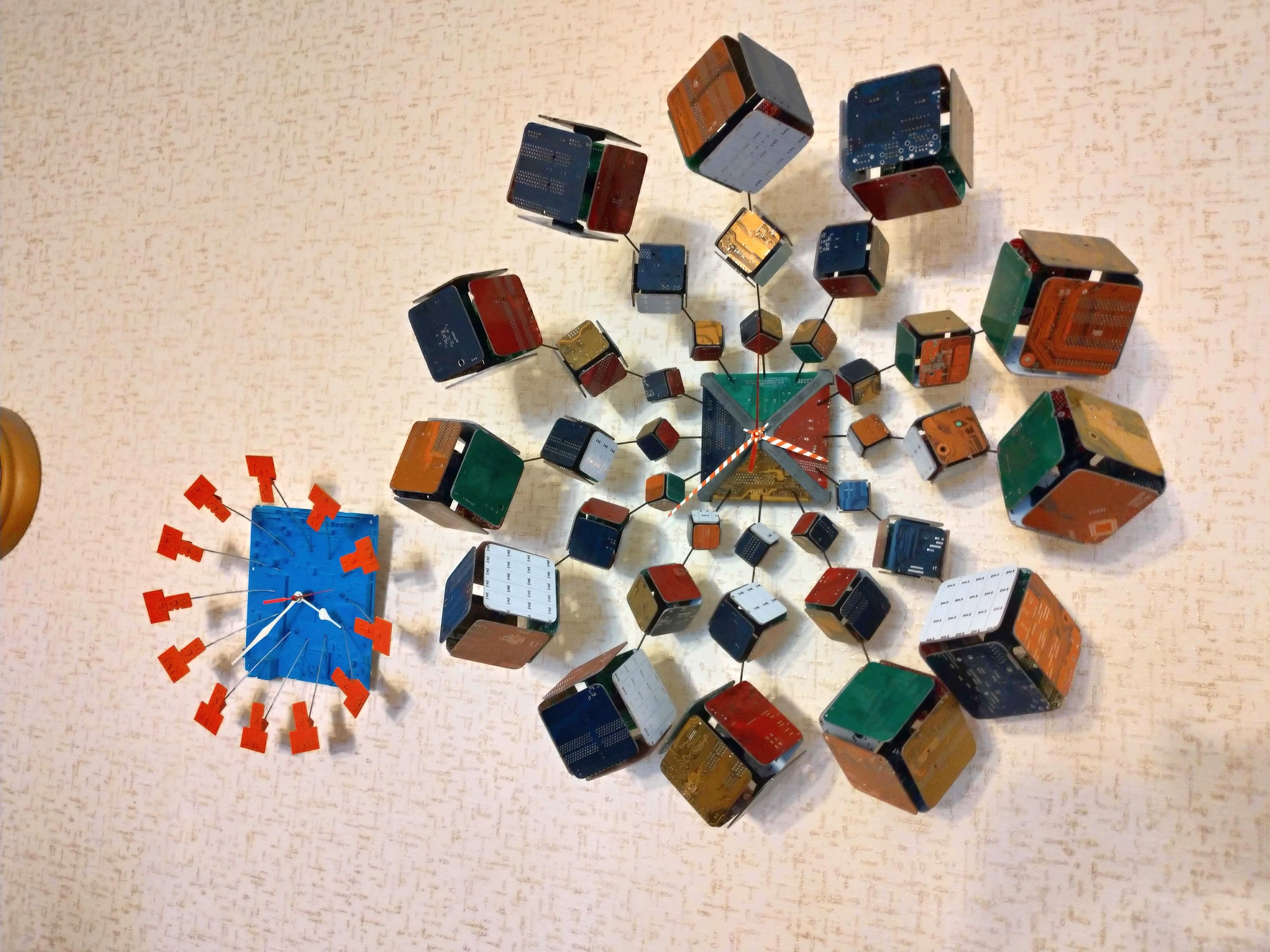 Часы Взрыв Рубика