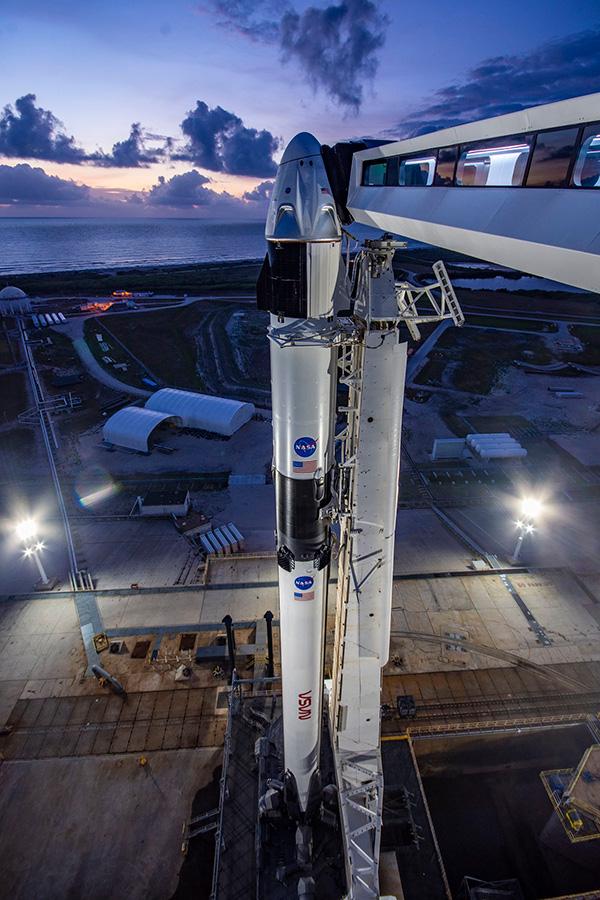 Исторический запуск Demo-2: сегодня SpaceX отправит людей на МКС