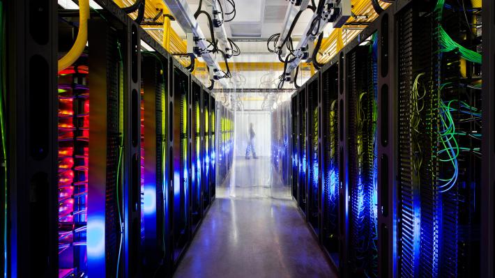 Кубиты вместо битов: какое будущее готовят нам квантовые компьютеры?