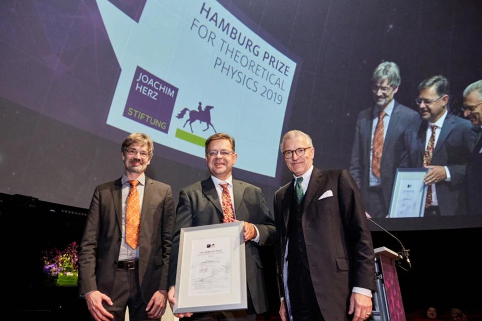 Исследователь Microsoft получил престижную премию по теоретической физике за вклад в развитие квантовых вычислений