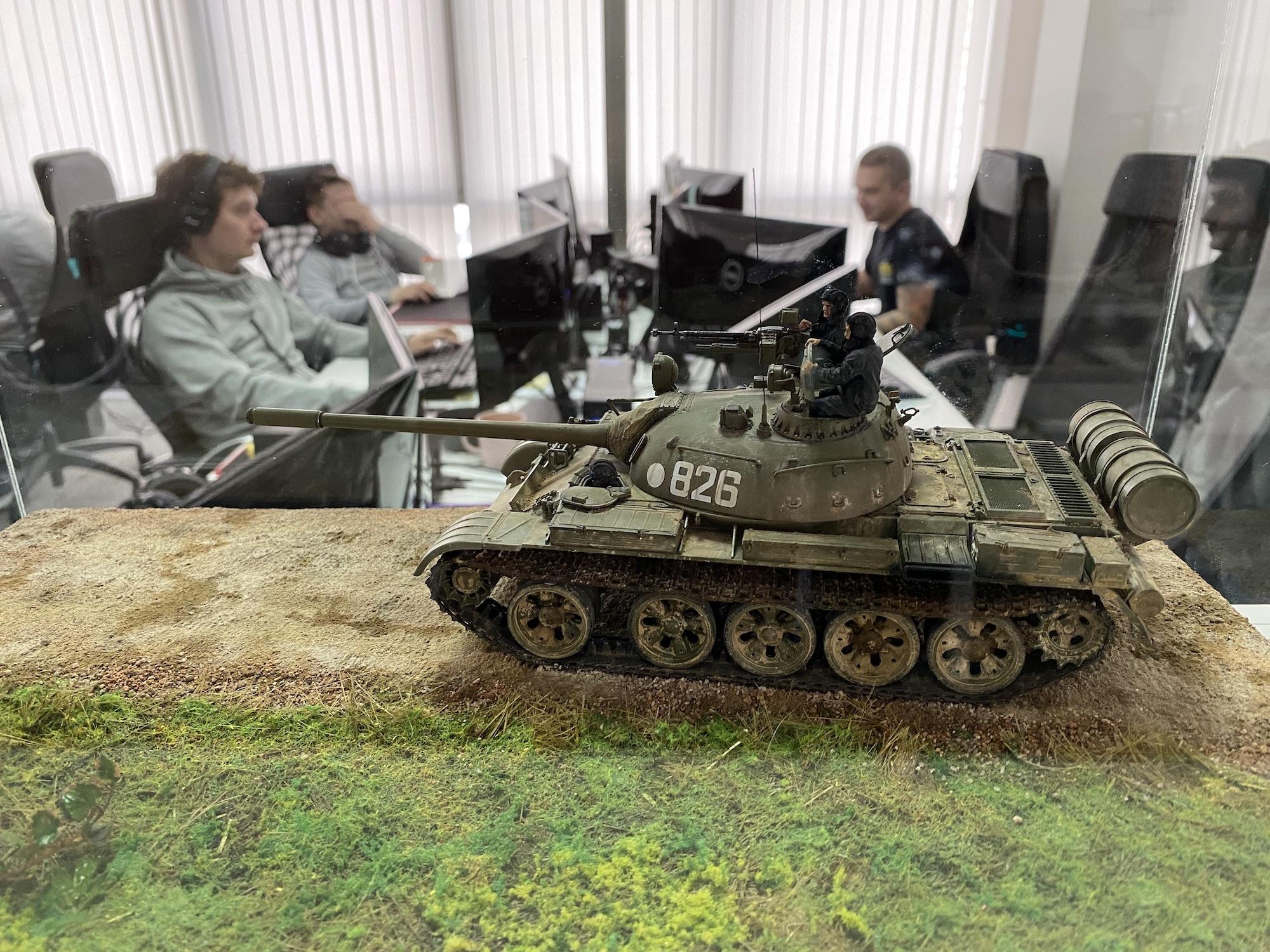 Офис G-Core QA, танк