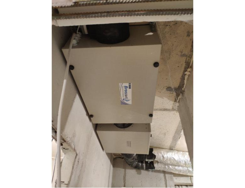 Блок вентиляции Breezart 550 lux и блок для дополнительного фильтра