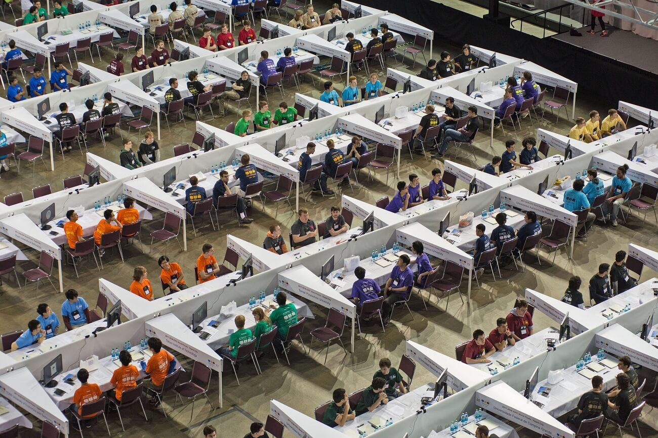 «Программирование в прямом эфире»: как прошел региональный полуфинал ICPC в Университете ИТМО
