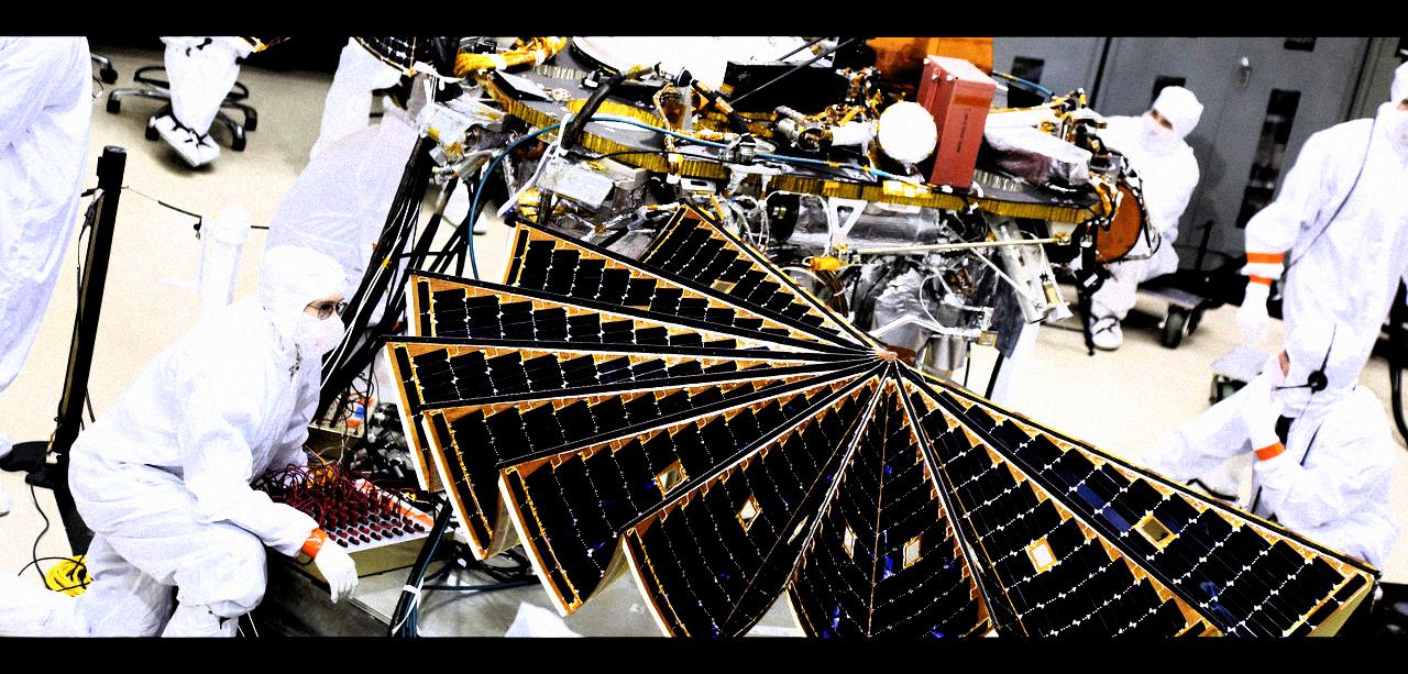 [recovery mode] Mars InSight расправляет свои солнечные крылья
