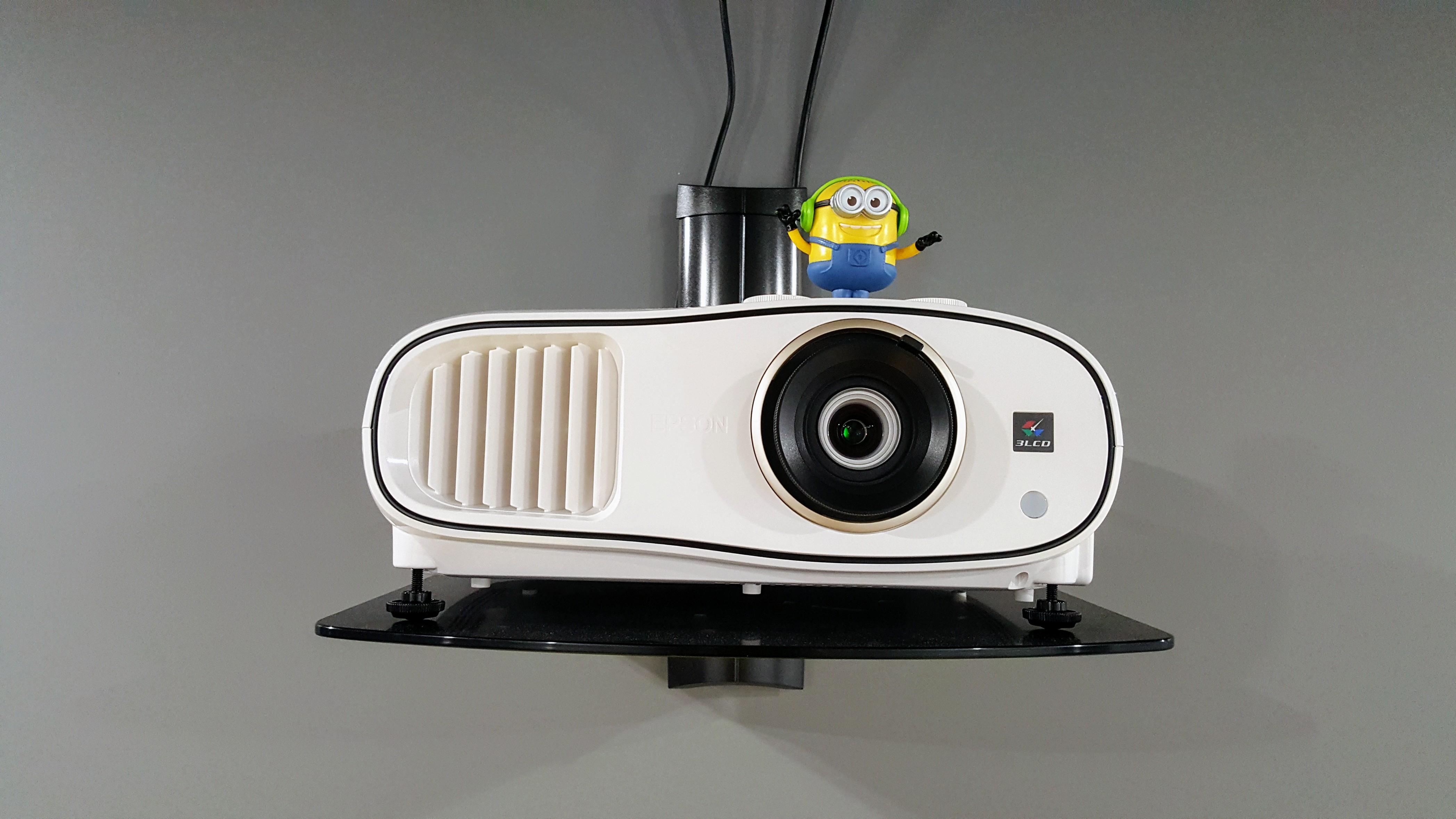 [Из песочницы] Проектор для кино на примере Epson EH-TW6700. Обзор и сравнение с LCD TV