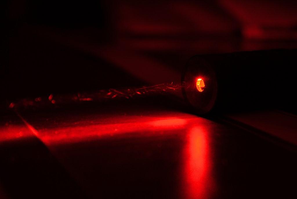 Данные на диск запишут с помощью магнитов и лазеров