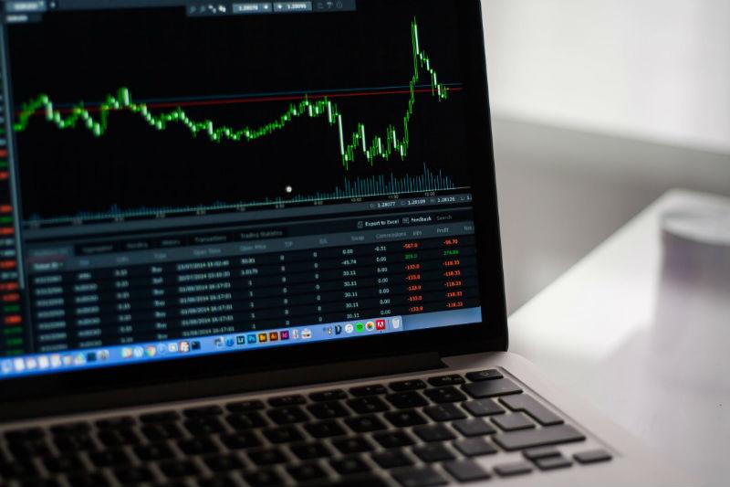Разбор: как заработать на инвестициях в биржевые индексы и ETF
