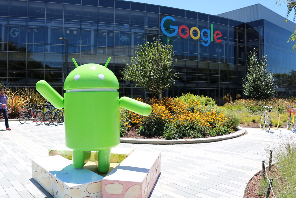Google готовит новое приложение для бизнеса. В нем объединят Gmail, Hangouts и Google Drive