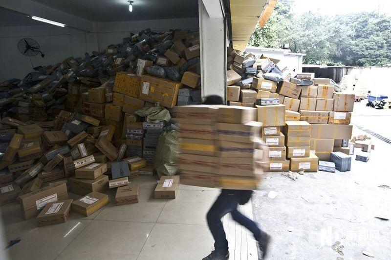 Адресное хранение рекомендовано на складах, где количество товара превышает сотни позиций