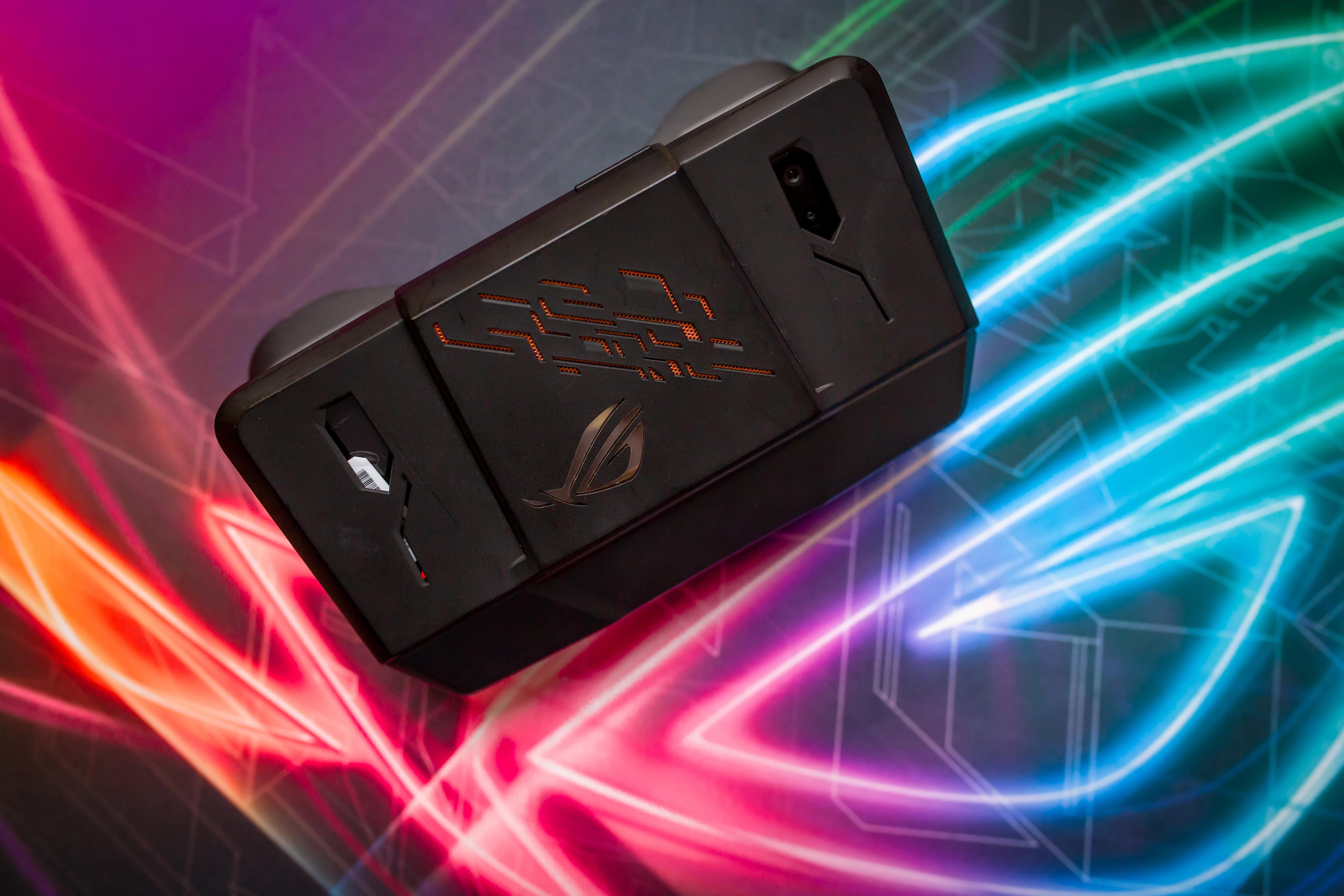 Первый взгляд на геймерский смартфон ASUS ROG Phone / Блог ... Док Геймеры