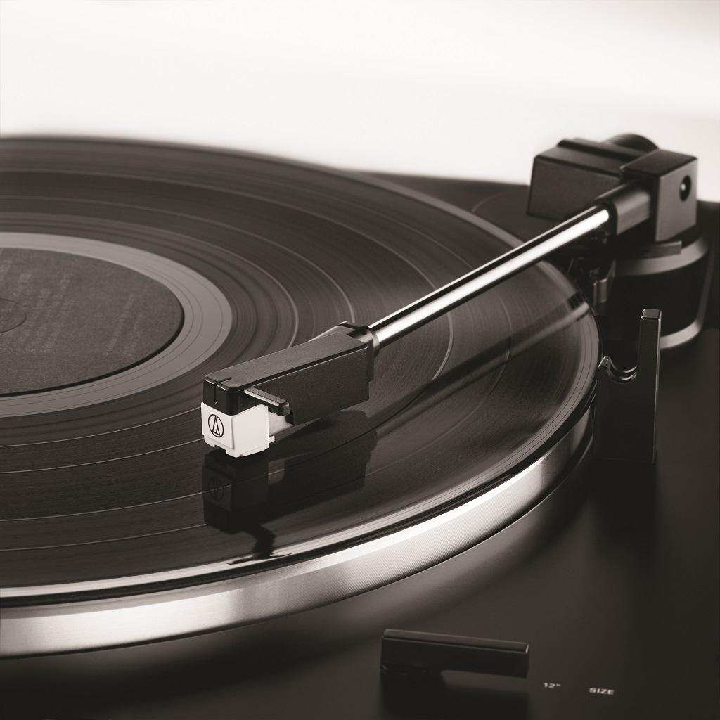 «Холодный, не ламповый» обзор Audio-Technica AT-LPW40WN