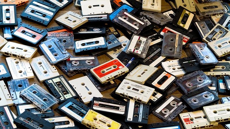 Технодекаденты как продукт бенефициаров копирайта воскрес не только винил, на очереди компакт-кассеты