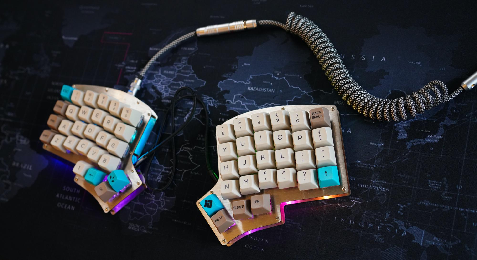 Эргономичная раздельная клавиатура. Iris