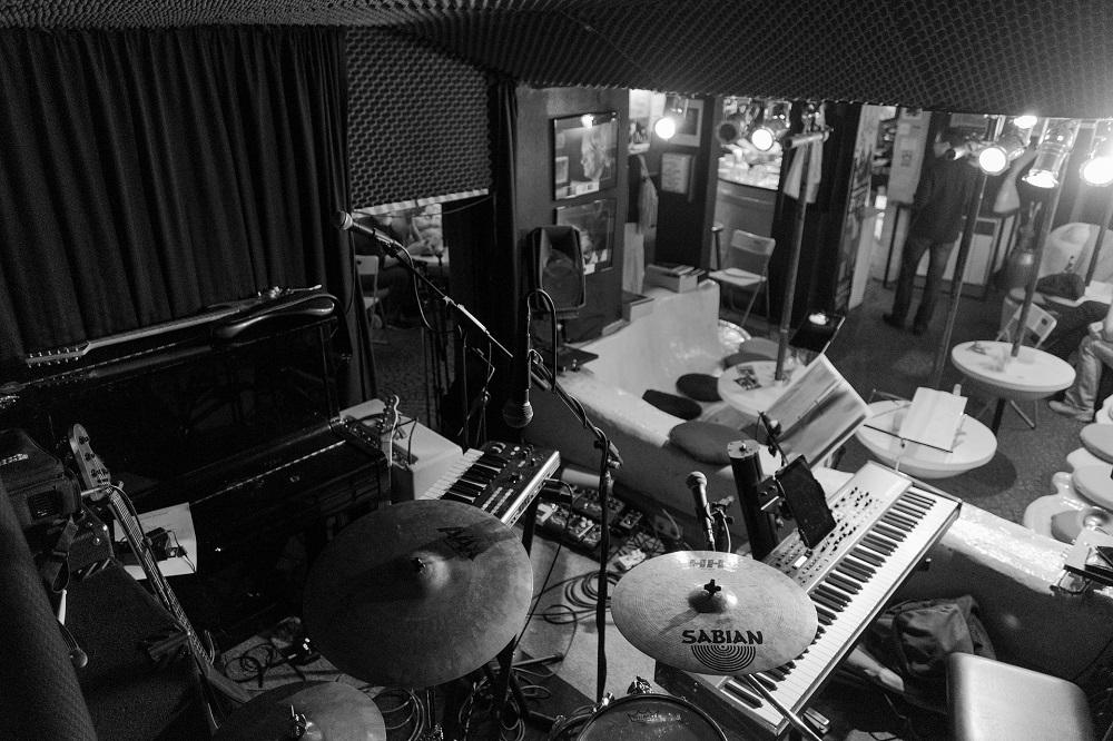 Аудиодайджест: 17 материалов и практических руководств о профессиональной акустике