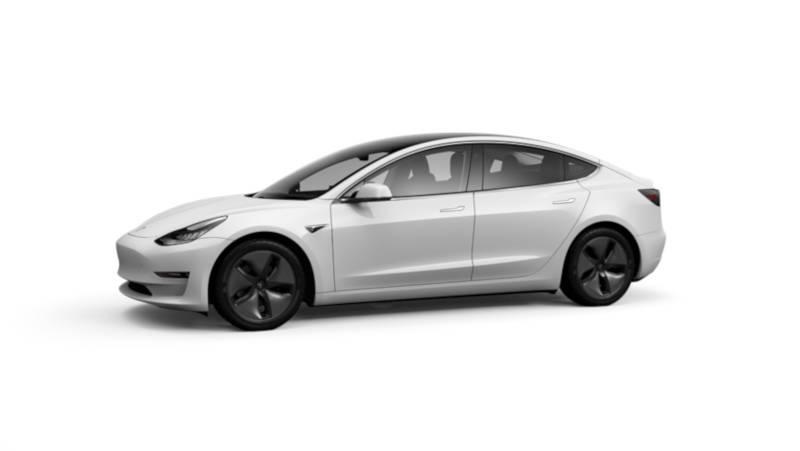 Автопилот Tesla Model 3 - сам вывел электромобиль из заноса