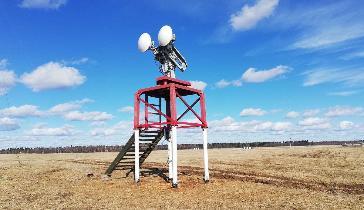 На фото: радар СКВПП-76 на а/п Орловка