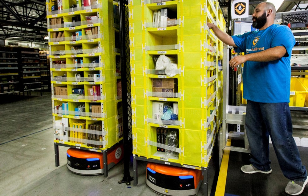 Robots replaced amazon 2?000 workers