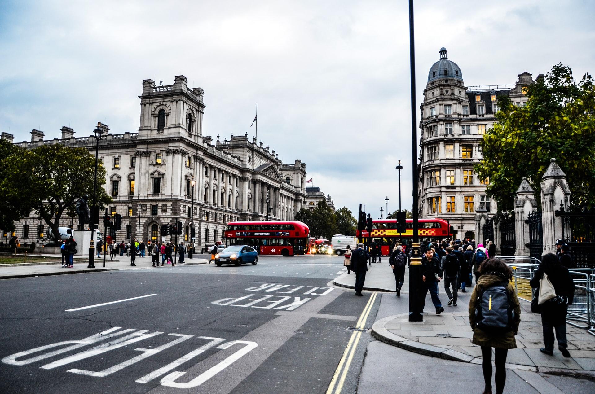 Переезд инженера в Великобританию IT-сфера, рабочая виза, налоги