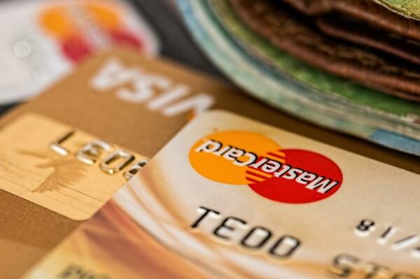 Эволюция банковских карт: от металла до металла