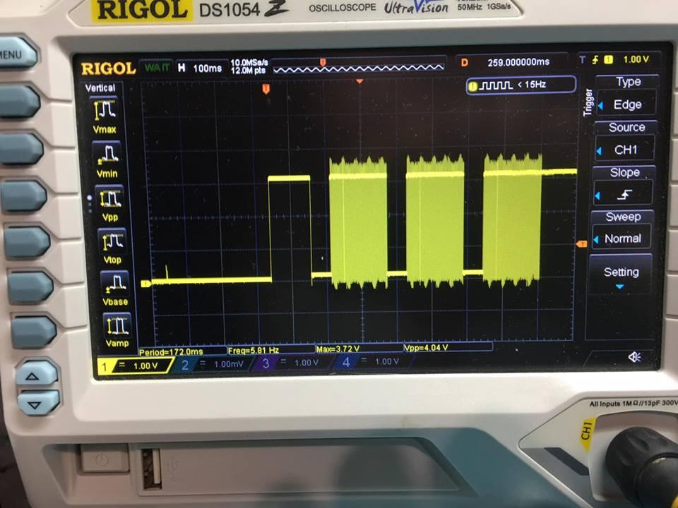 Это сигнал со стороны контроллера (выходной) до буфера. Тоже уровень примечательный