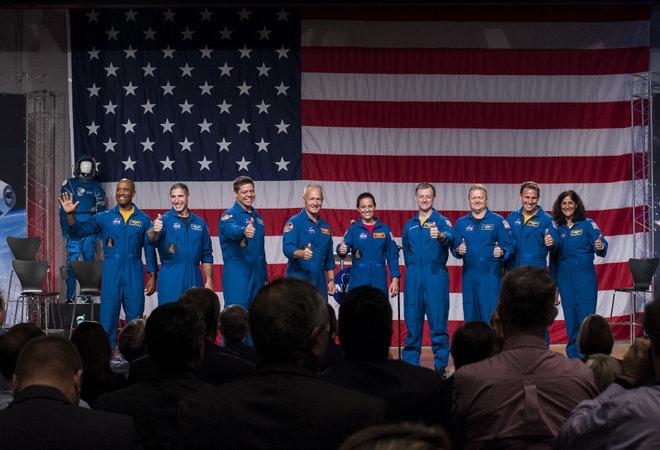 Сформированы экипажи для космических кораблей Boeing и SpaceX