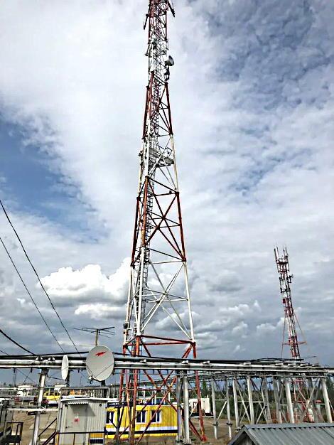 Вышки связи в пос. Прилуки с радиомостом производства ДОК агрегированной емкостью 40 Гбит/с