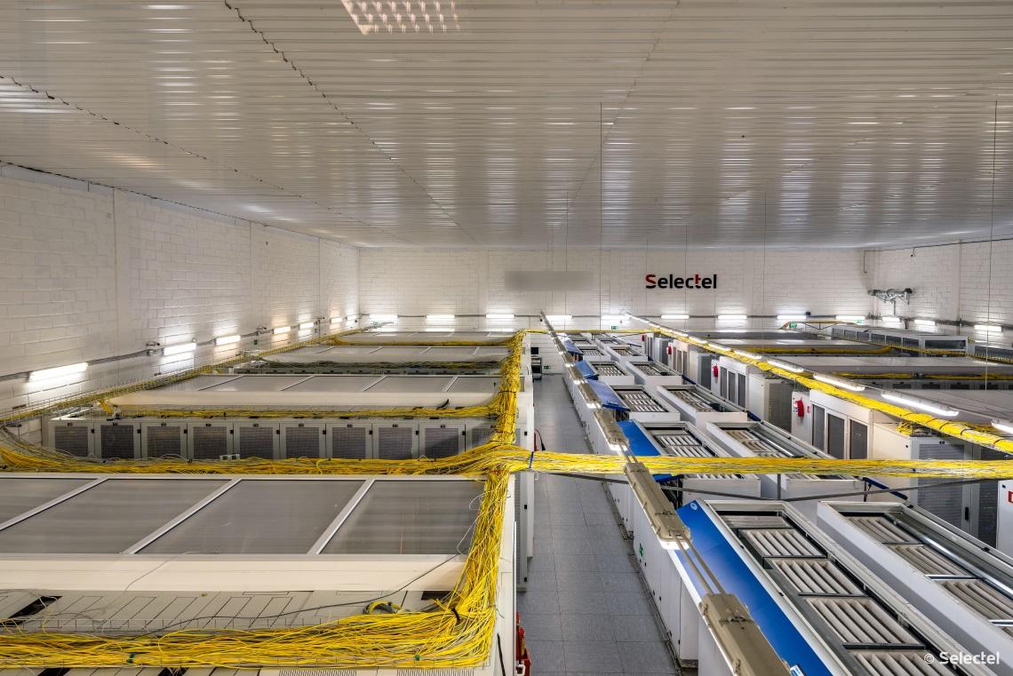 Кондиционеры в серверном зале дата-центра Цветочная 1