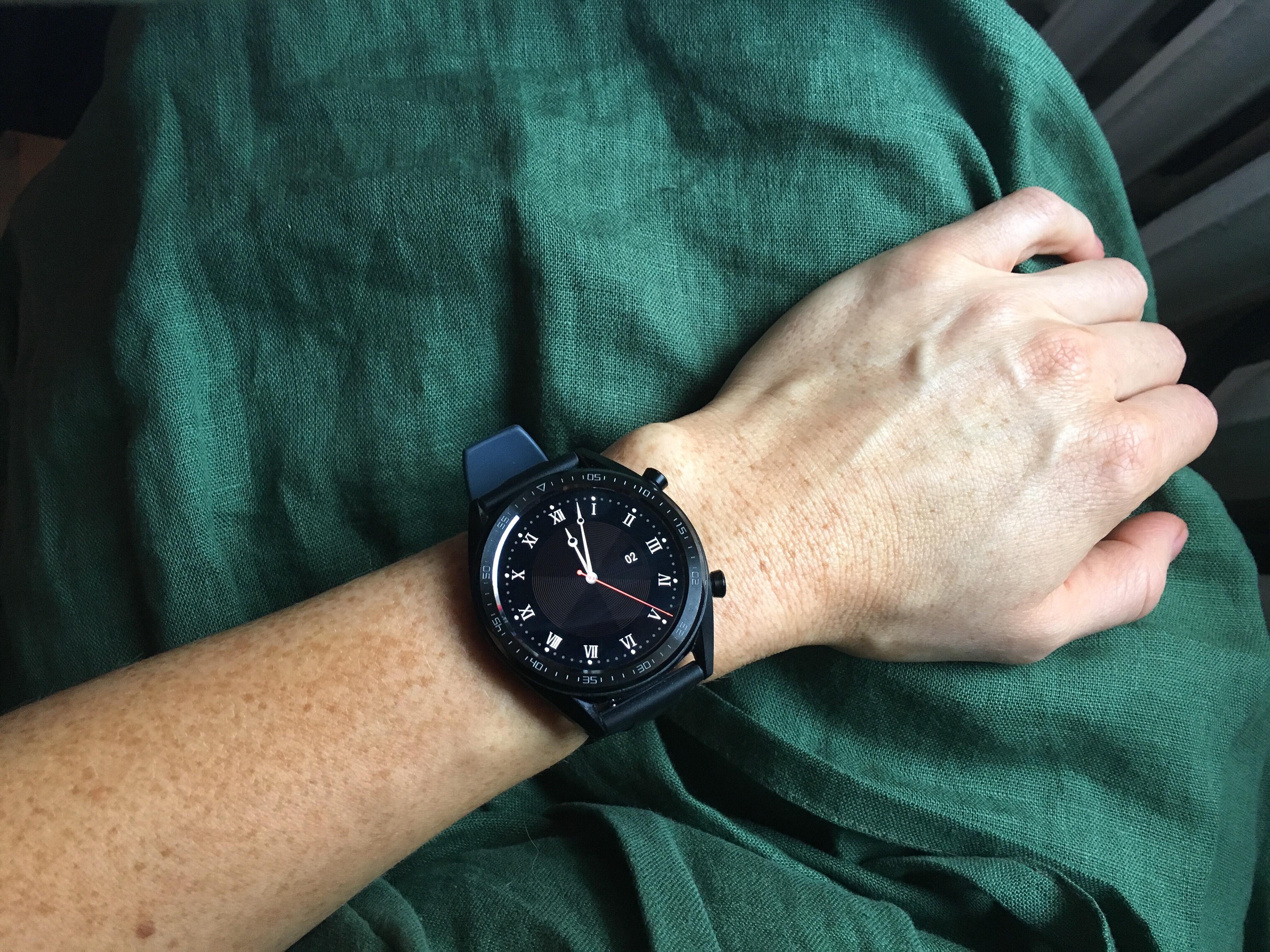 Тик-так: время умных часов ушло, но теперь ими притворяются браслеты