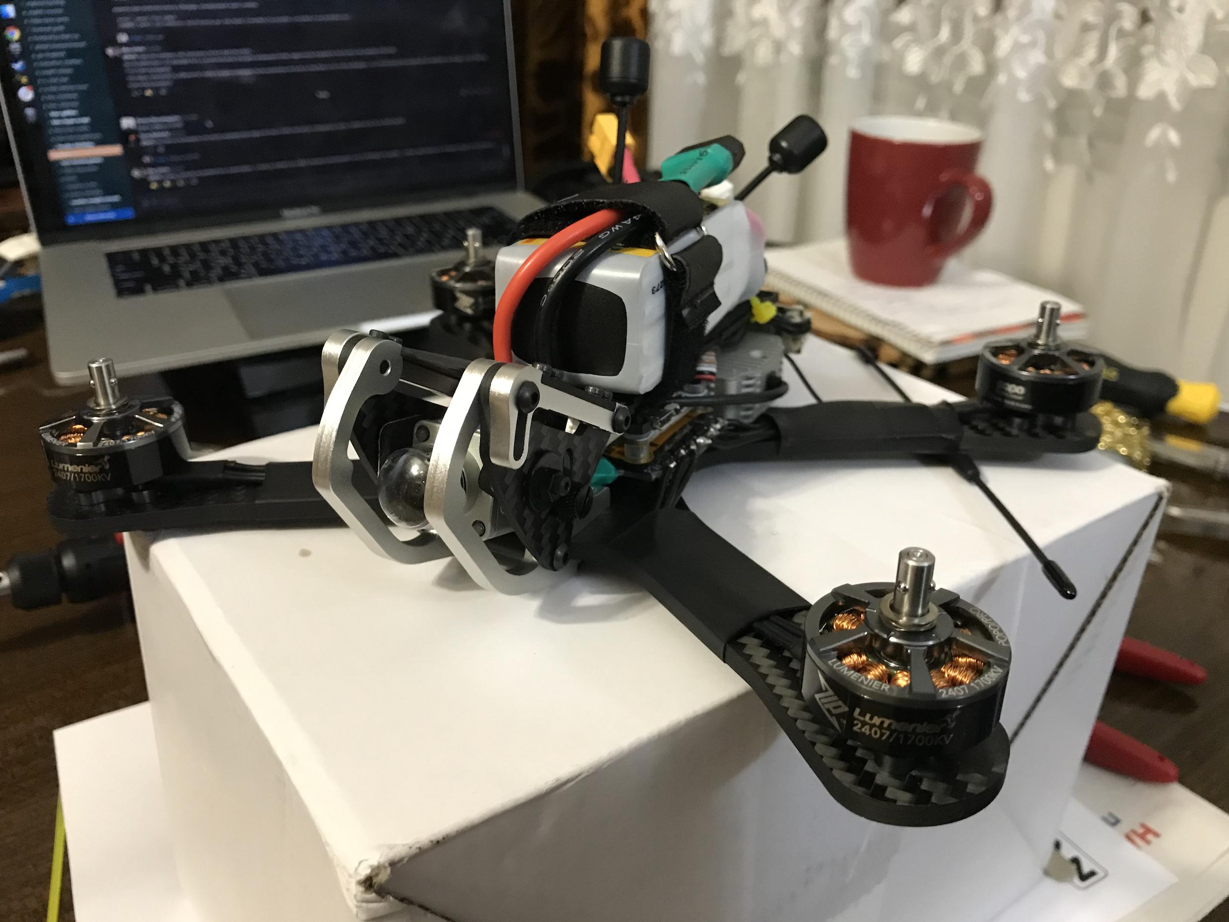 От земли к FPV Квадрокоптеру: Введение