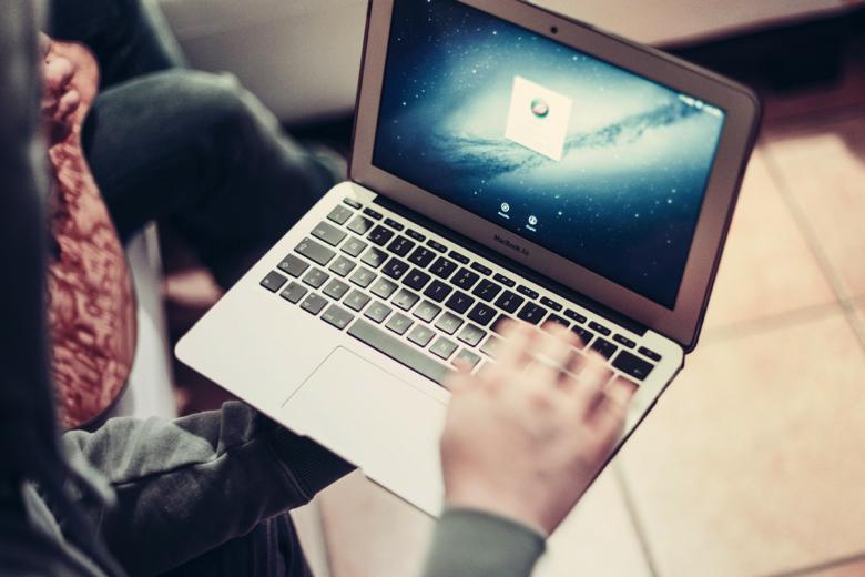 Apple, Facebook, Google и другие техногиганты будут платить налоги по-новому