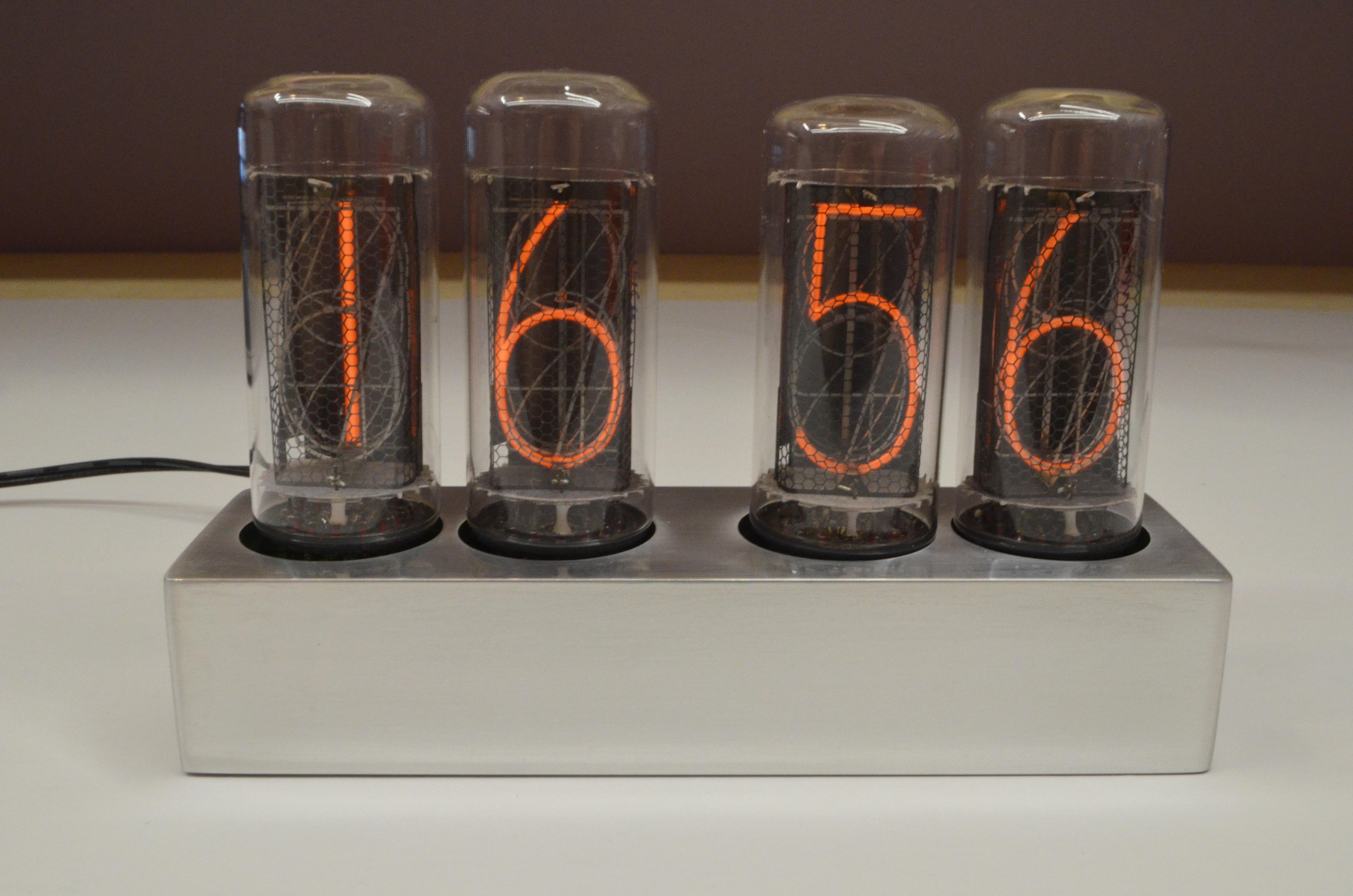 Nixie clock на индикаторах ИН-18