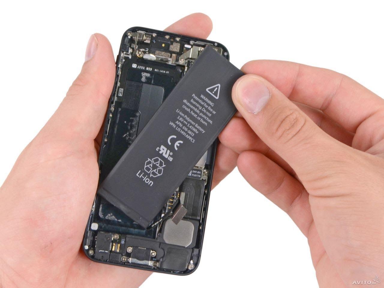 Компания Apple запустила программу по замене аккумуляторов на старых iPhone