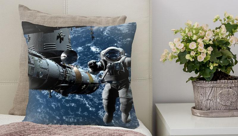 Нужна ли подушка космонавтам?