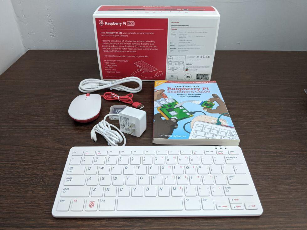 Перевод Raspberry Pi 400  настольный компьютер дешевле 100