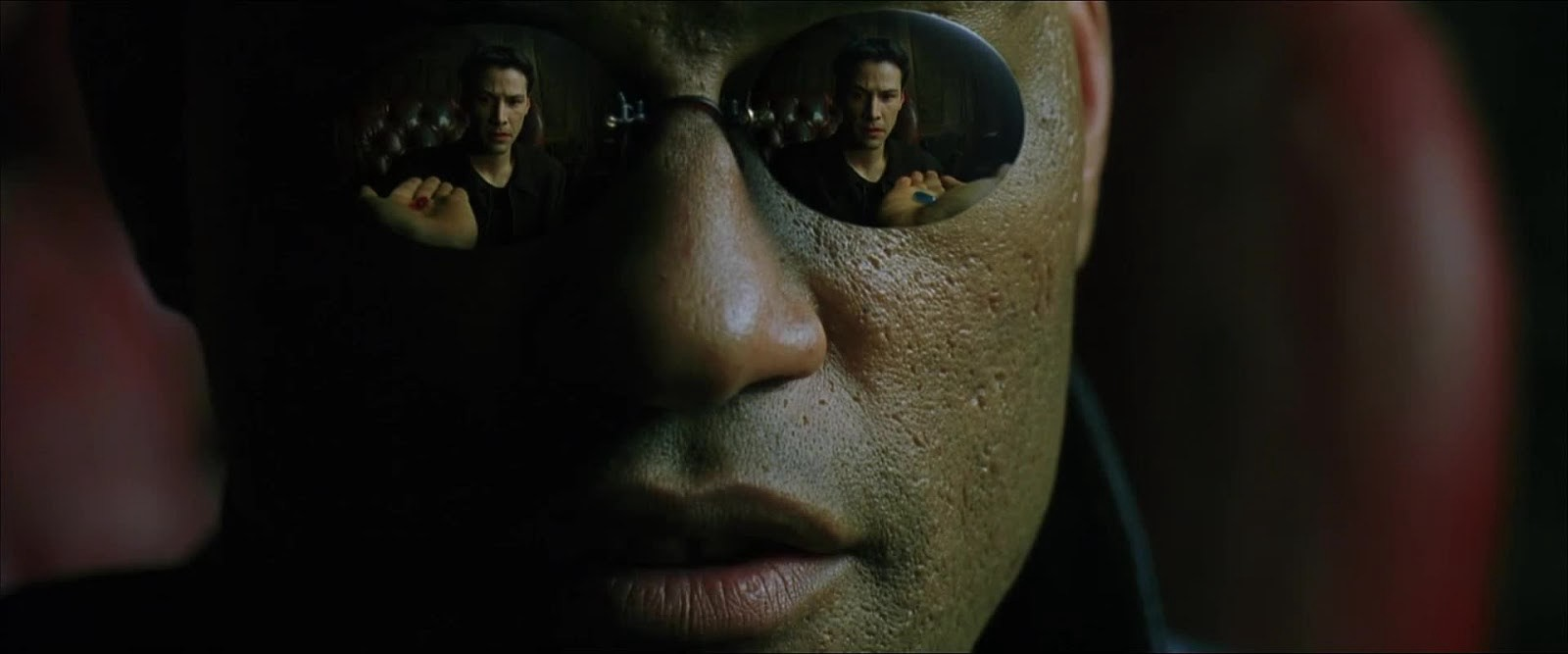Cyberpunk and mirror glasses: reflections in fashion and culture