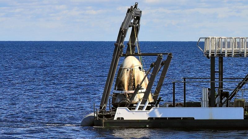 Посадка Crew Dragon и видео выстрела по астероиду