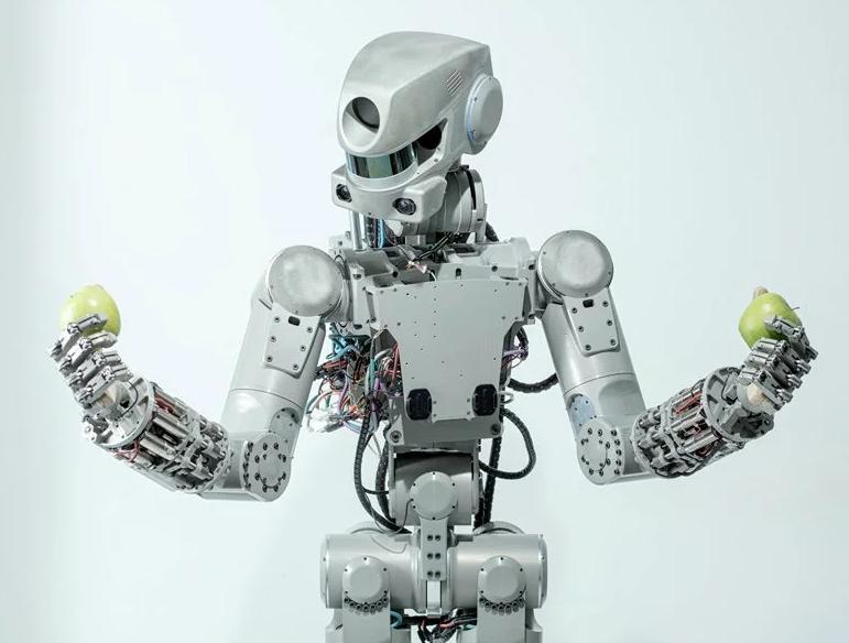 Робот FEDOR — тренировка с новым экипажем МКС и первые космические задачи