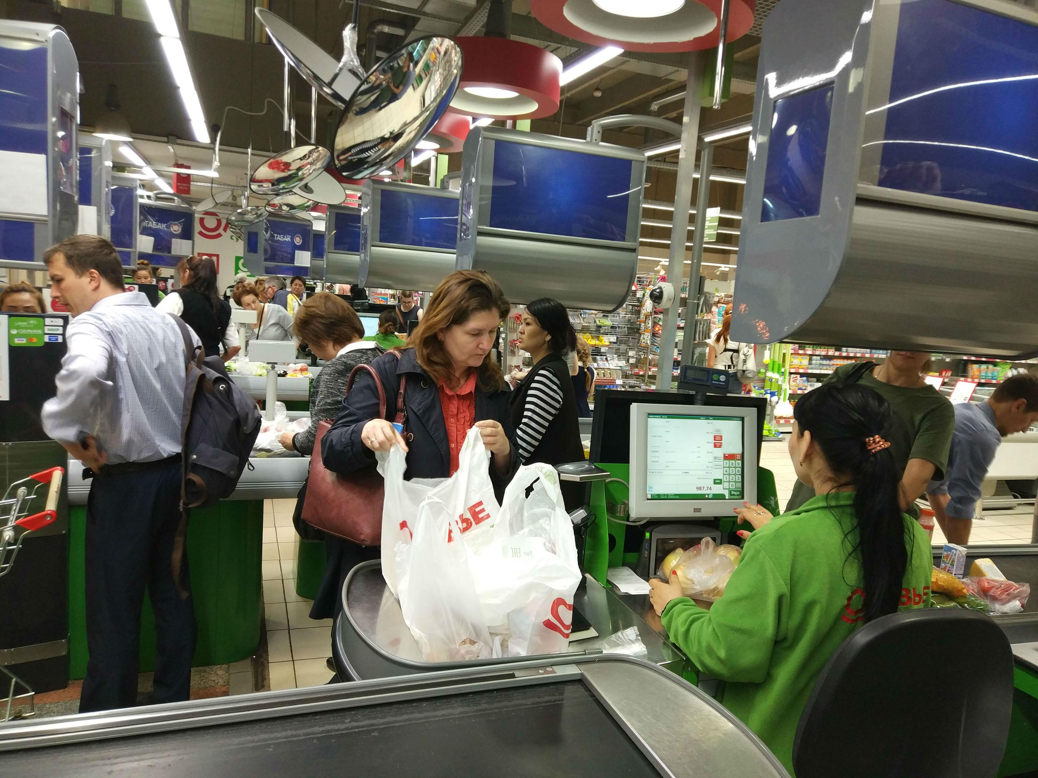 Сенсорные или нет: Какие кассы сегодня выбирают магазины