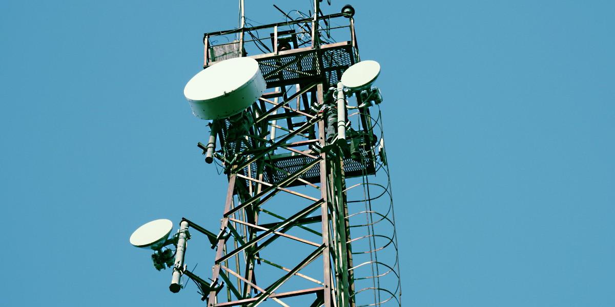 Вышка с двумя радиомостами PPC-10G 2+0 по 20 Гбит/с