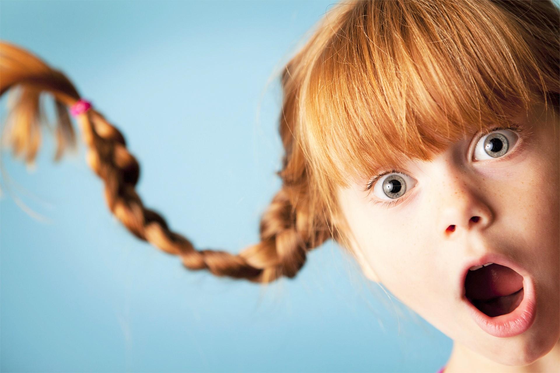 Грустно душе, прикольная картинка девочки с косичками